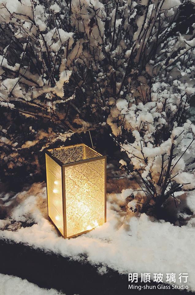 27751775 1867002953372275 8570299753417858553 n 外婆家窗景是記憶中最美好的部分...海棠花老玻璃燭燈販售中!