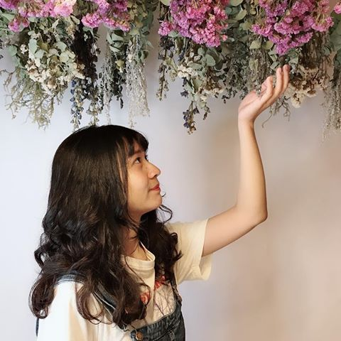 IMG 2670 【空間佈置】少女心大爆發~板橋「上越髮廊」吊掛乾燥花牆