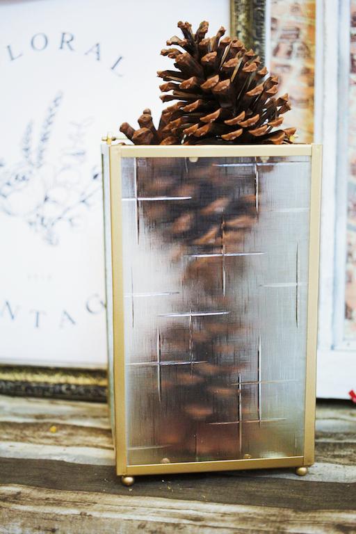 IMG 9472 外婆家窗景是記憶中最美好的部分...海棠花老玻璃燭燈販售中!