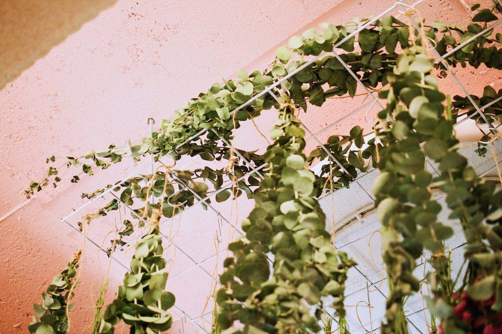 IMG 9812 1024x683 【空間佈置】少女心大爆發~板橋「上越髮廊」吊掛乾燥花牆