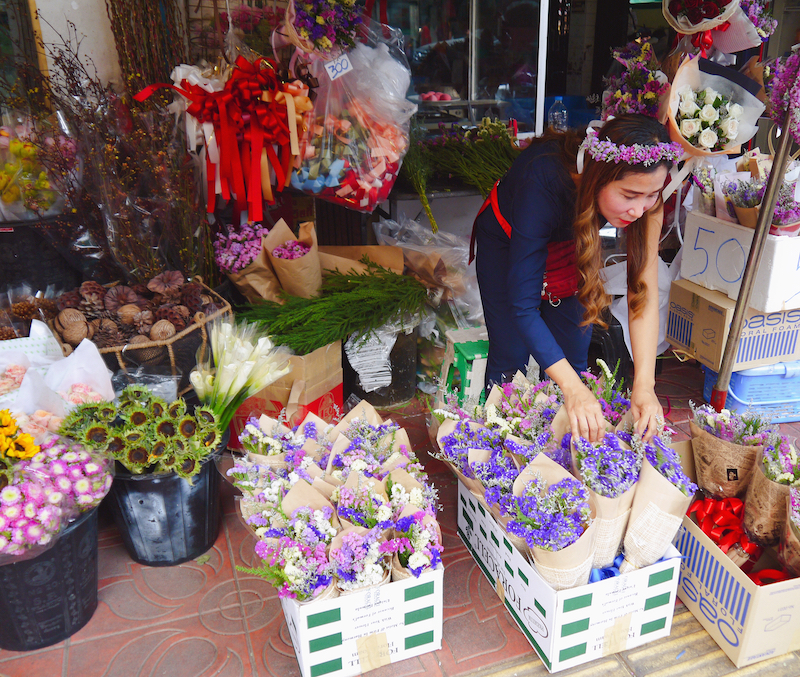 IMG 2100 混亂、祭祀且濃郁的飽和色 / 曼谷花卉市場(Pak Klong Talad)