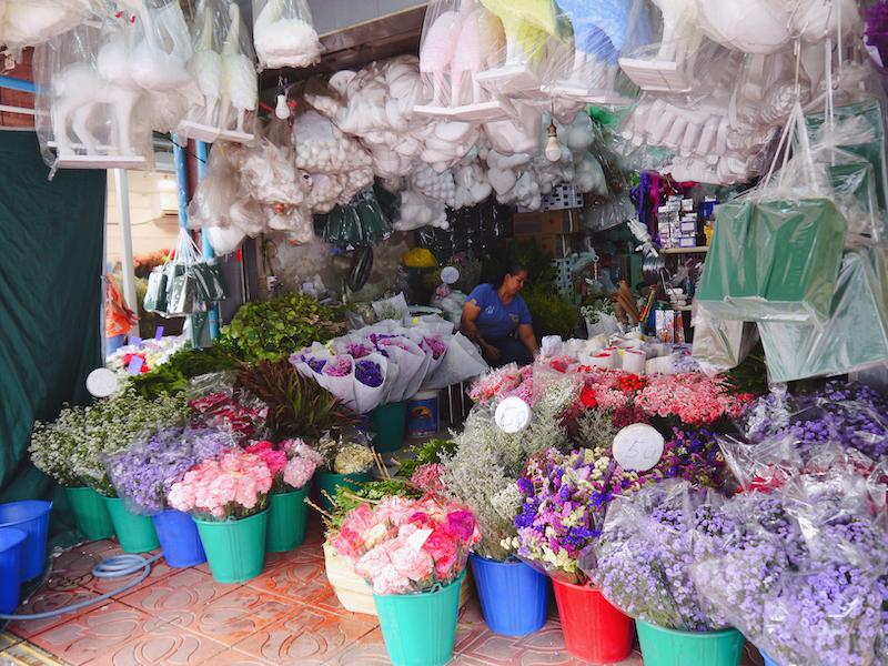 IMG 2102 混亂、祭祀且濃郁的飽和色 / 曼谷花卉市場(Pak Klong Talad)