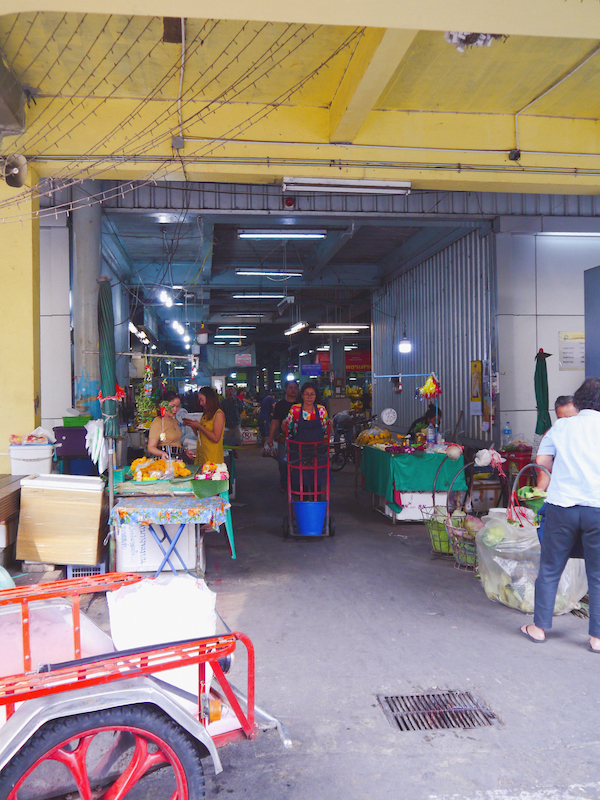 IMG 2103 混亂、祭祀且濃郁的飽和色 / 曼谷花卉市場(Pak Klong Talad)