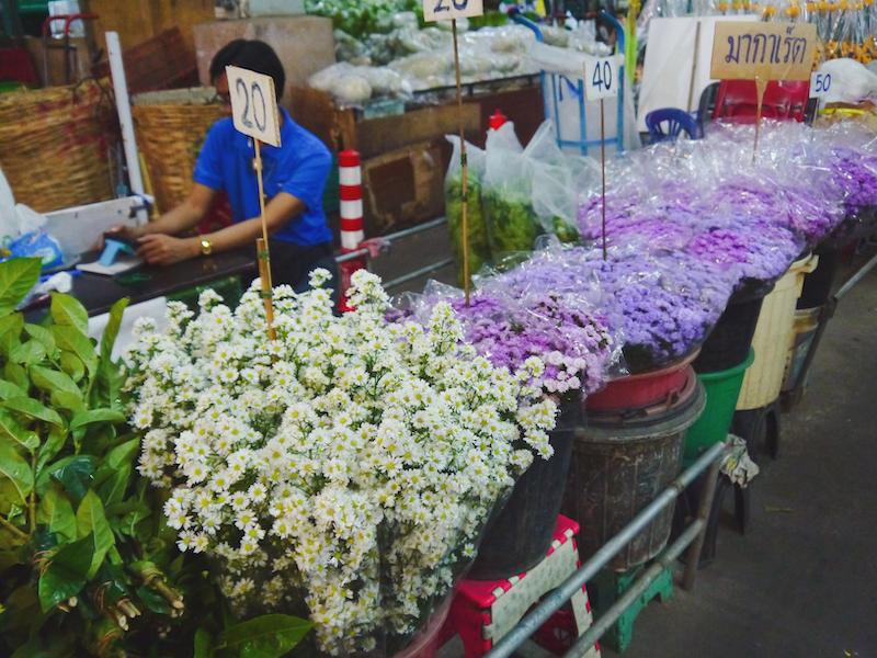 IMG 2105 混亂、祭祀且濃郁的飽和色 / 曼谷花卉市場(Pak Klong Talad)