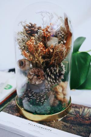 冬季時日松果花束玻璃盅